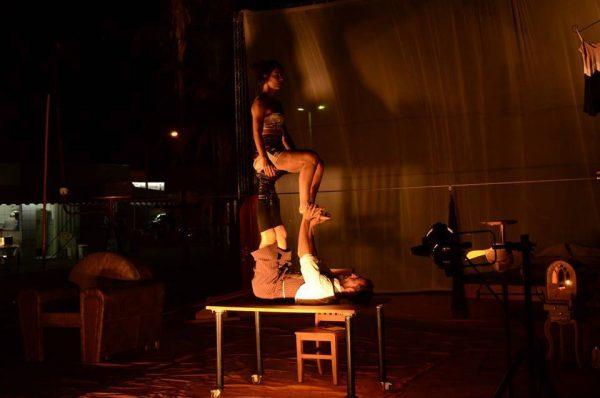 Espetáculo Circenze Vizinhos - Cia Artinerant's @ Praça Borges de Medeiros | Rio Grande do Sul | Brasil